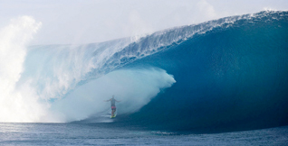 Teahupoo - Le best of du Code Red de mai !