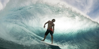 Andy Irons dans le barrel