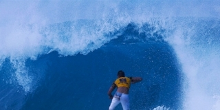 Andy Irons - Pipeline 2003
