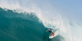 Billabong Pipe Masters 2010 : Travis Logie