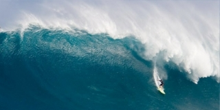 Dave Wassel, Jaws/Peahi, Maui - 2012 Monster Paddle Champion