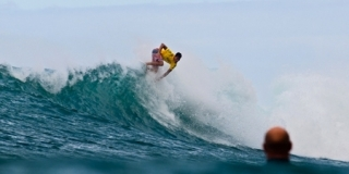 Evan Valiere - Van's World Cup - Sunset Beach, North Shore, Hawaii