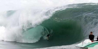 Ian Walsh - Session Teahupoo 2011