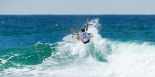 Johanne Defay - Roxy Pro Gold Coast 2015 - Snapper Rocks
