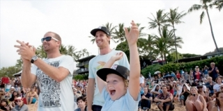 Kieren Pierrow Family - Billabong Pipe Masters 2011