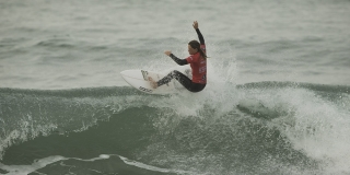 Kim Véteau championne de France de surf junior 2015