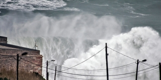 Nazare - Swell Hercules - 6 janvier 2013