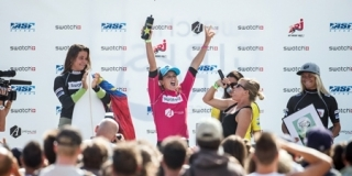 Podium du Swatch Girls Pro France 2013 - Le Penon, Seignosse
