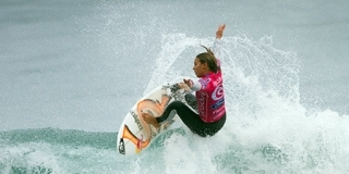 Sally Fitzgibbons - Rip Curl Pro Bells Beach 2011