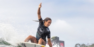 Sally Fitzgibbons - Snapper Rocks - Roxy Pro Gold Coast 2013