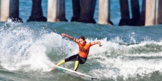 Sally Fitzgibbons - US Open of Surfing 2011