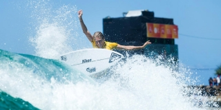 Stephanie Gilmore - Roxy Pro Gold Coast 2015 - Snapper Rocks