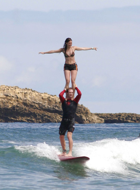 Aurélie et Fred, Shoulder Stand, Côte des basques, Biarritz, France