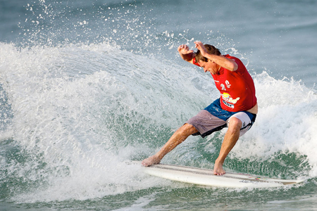 Cheyne Horan - Supersurf ASP World Masters Championships 2011'