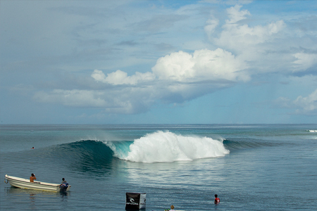 Line-up - Lance right - Rip Curl Mentawaii Pro 2013'