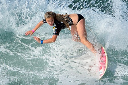 Lucia Cosoleto - Billabong ISA World Surfing Games 2011