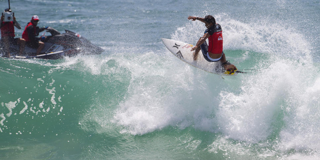 Michel Bourez - Quiksilver Pro Gold Coast 2014 - Snapper Rocks, Australie'