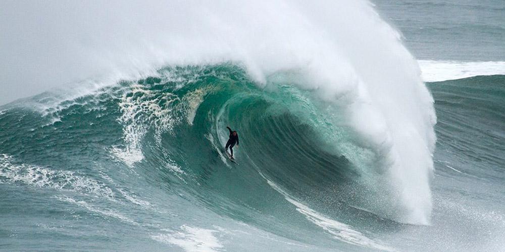 photo nazare 19 novembre 2014 portugal surf. Black Bedroom Furniture Sets. Home Design Ideas