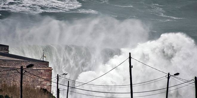 Nazare - Swell Hercules - 6 janvier 2013'