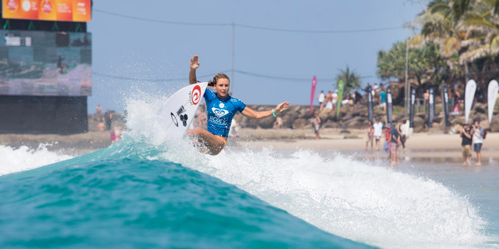 Nikki Van Dijk - Roxy Pro Gold Coast 2015 - Snapper Rocks'