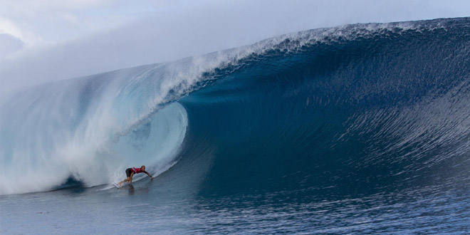 Owen Wright - Billabong Pro Tahiti 2014 - Teahupoo PK0'