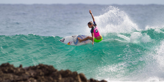 Sally Fitzgibbons - Roxy Pro Gold Coast 2014 - Snapper Rocks, Australie'