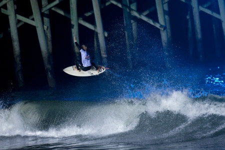Surf de nuit, Flagler Beach, Floride, USA'